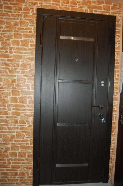 бронированная входная дверь в квартиру в дмитрове