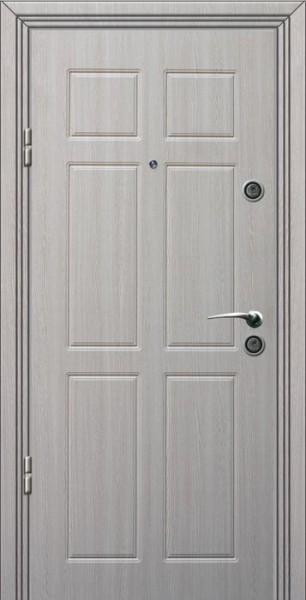 светлая входная дверь