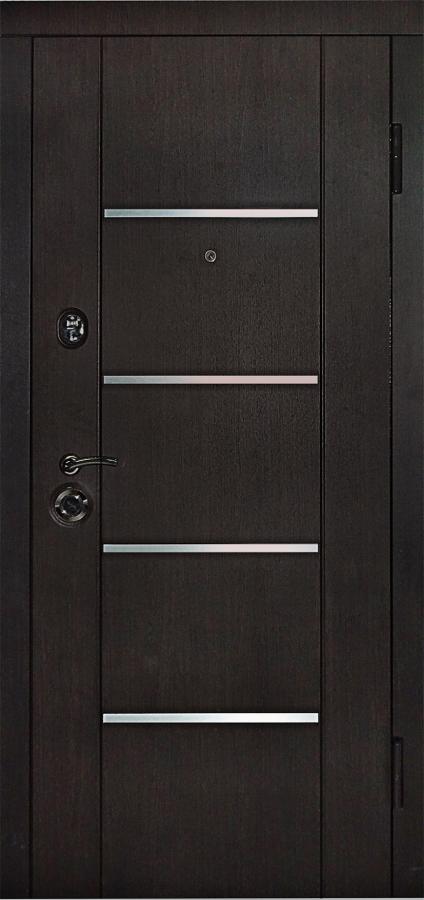 Металлическая входная дверь в квартиру