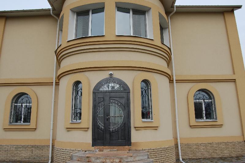 Vhodnie-dveri-v-dom_24