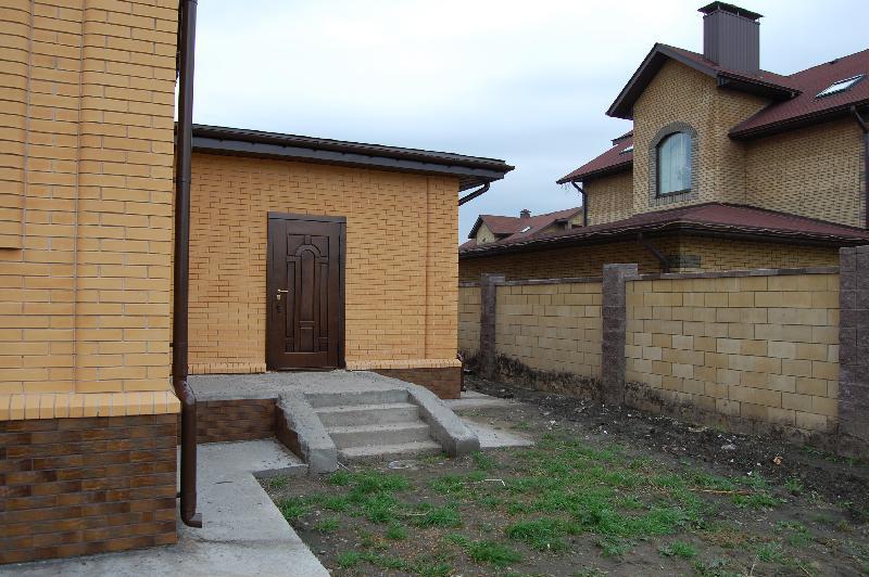 Vhodnie-dveri-v-dom_6