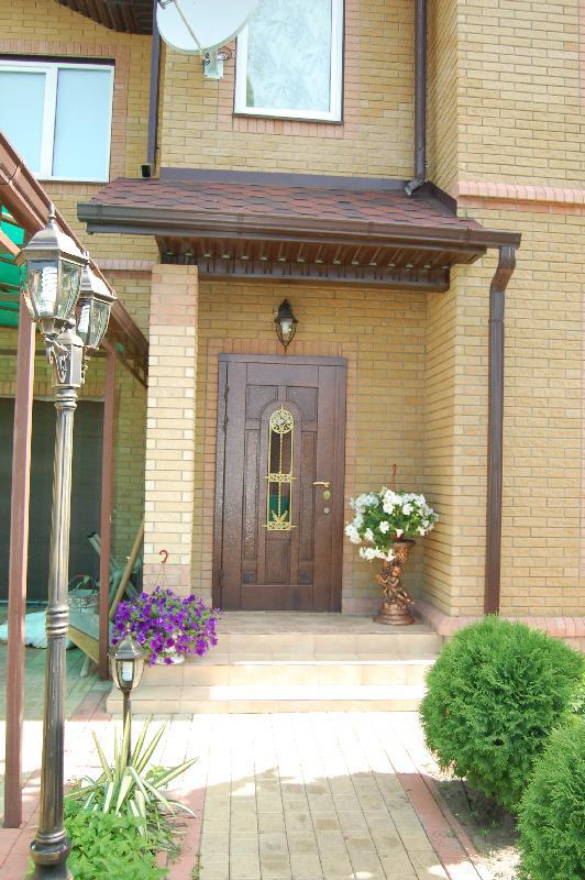 Vhodnie-dveri-v-dom_8